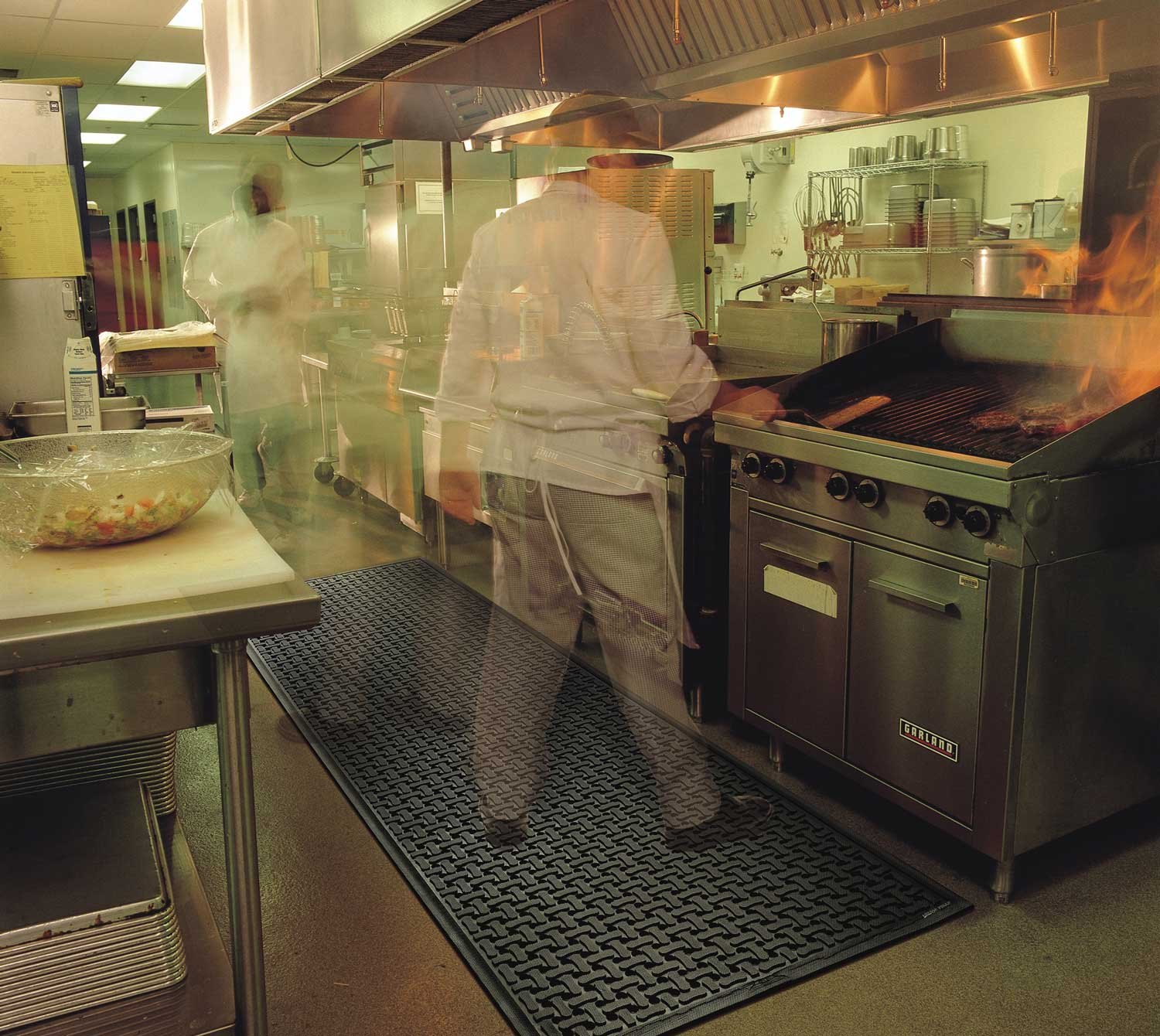 Training restaurant employees can offer payoffs for restaurant managers
