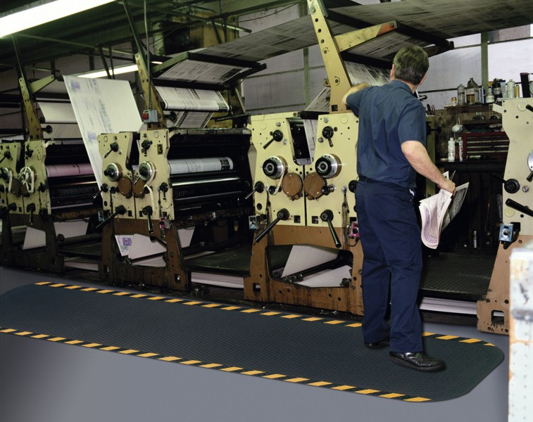 Anti-fatigue mats add layer of safety, comfort to host stand